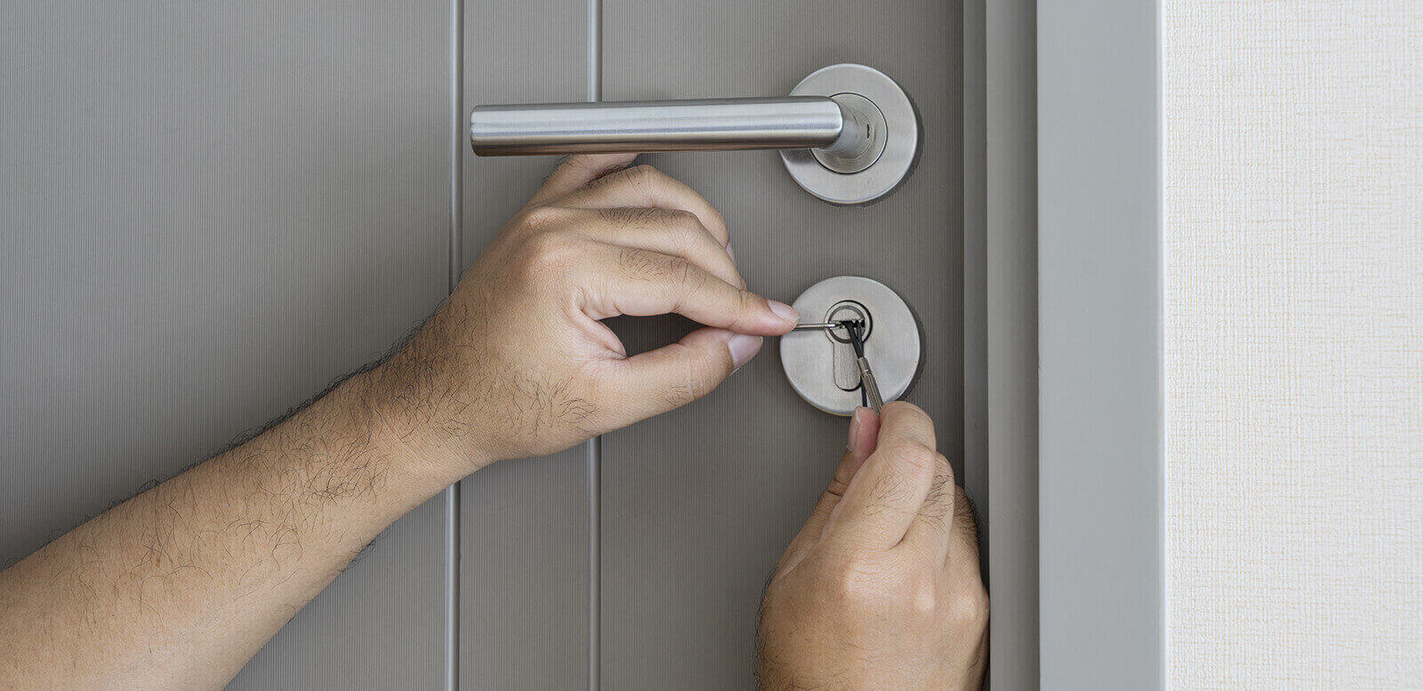 Why Is It Wise To Hire A Professional Locksmith