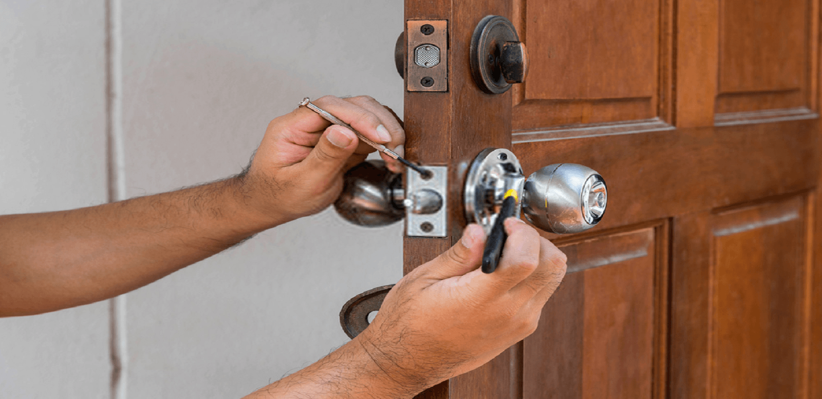 Get Your Door Locks Replaced Only By Experienced Locksmiths