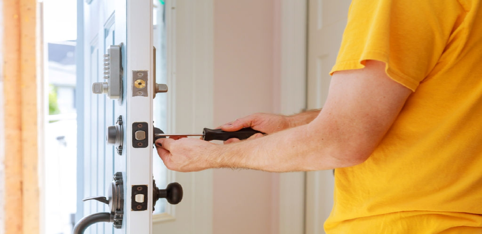 What Can A Reputable 24 Hour Locksmith In Lancing Do For You?